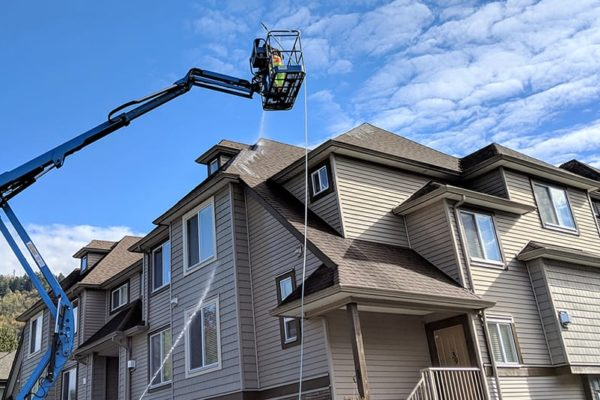 window-butler-ottawa-commercial-roof-boom-washing